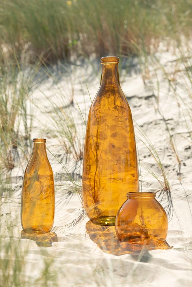 vase jaune transparent