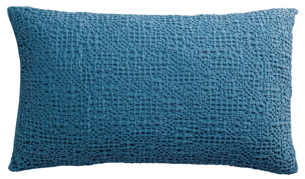 coussin rectangulaire uni bleu gaufré