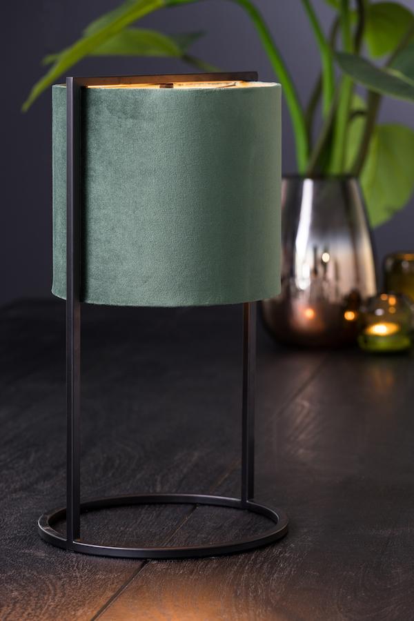 lampe verte et métal noir